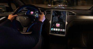 Tesla Interieur reset reboot screen