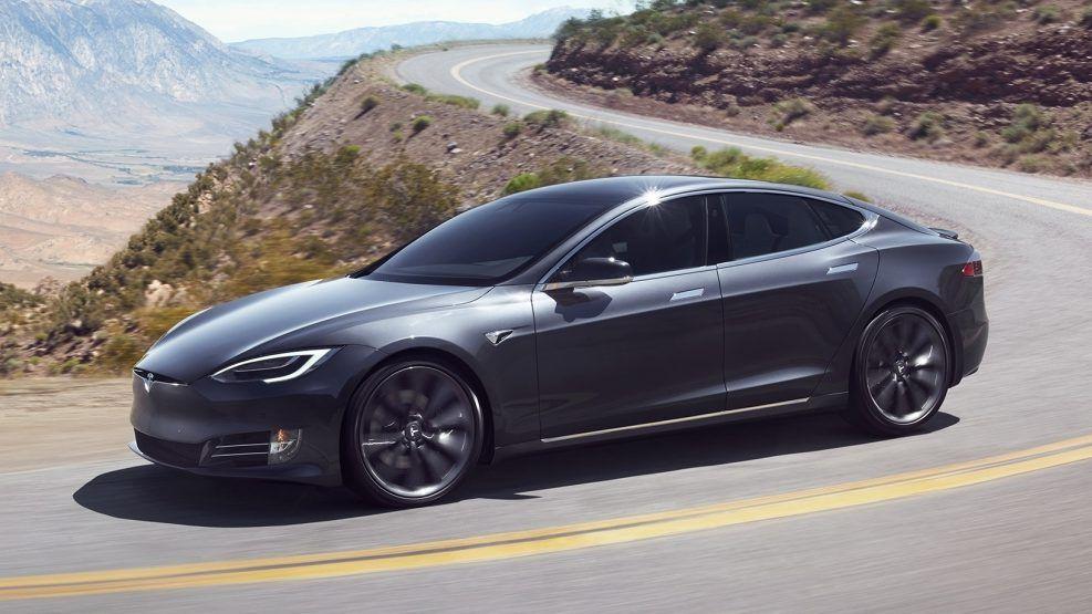 Tesla Model S Facelift vs. Pre-facelift