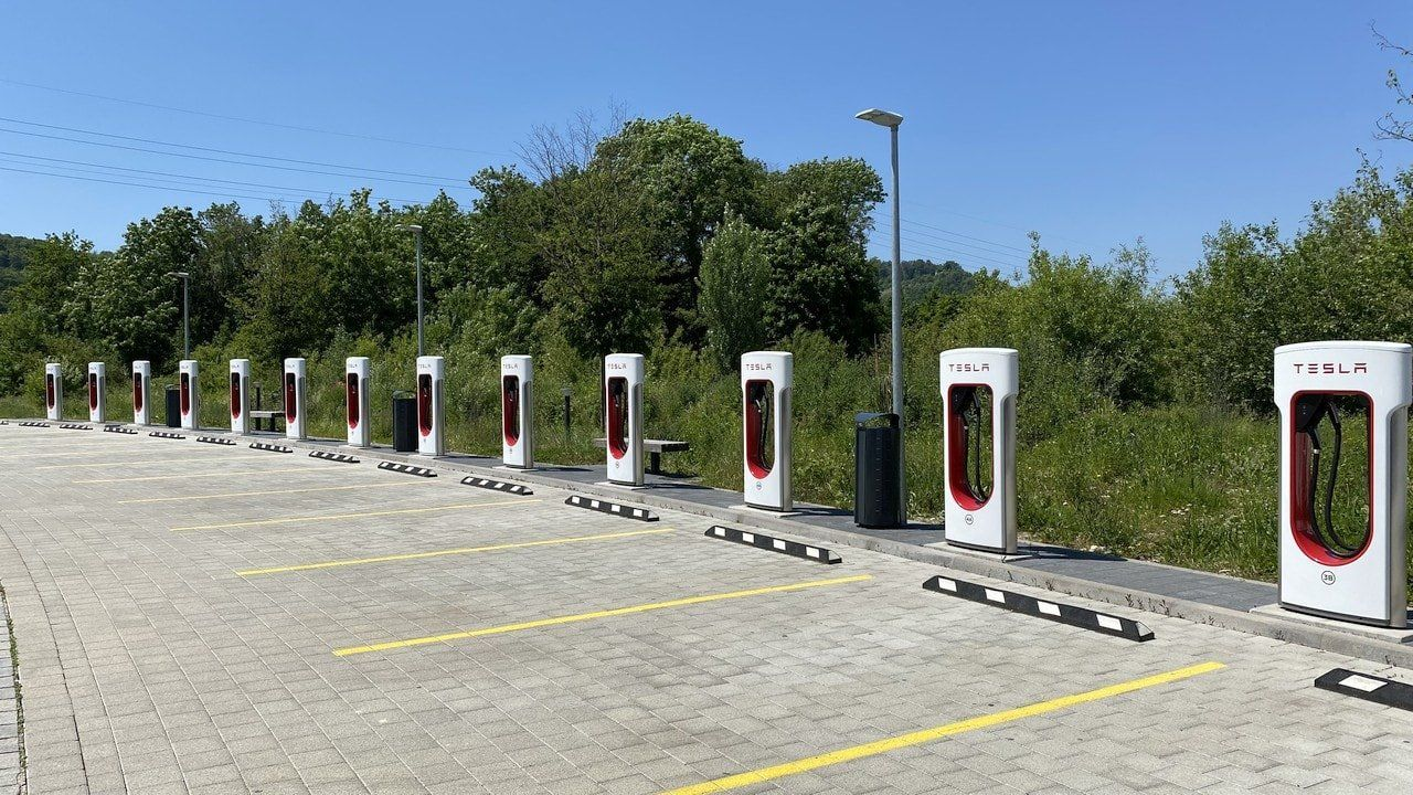 Tesla free supercharging