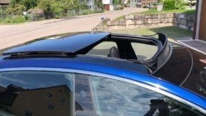 Details about the Tesla panoramic sunroof